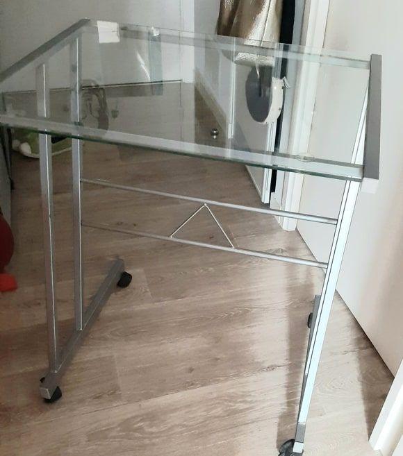 petite table  bureau informatique, 12 Nantes (44)