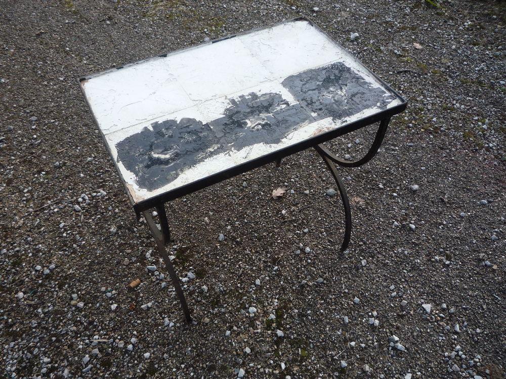 Petite table fer forgé 15 Castres (81)