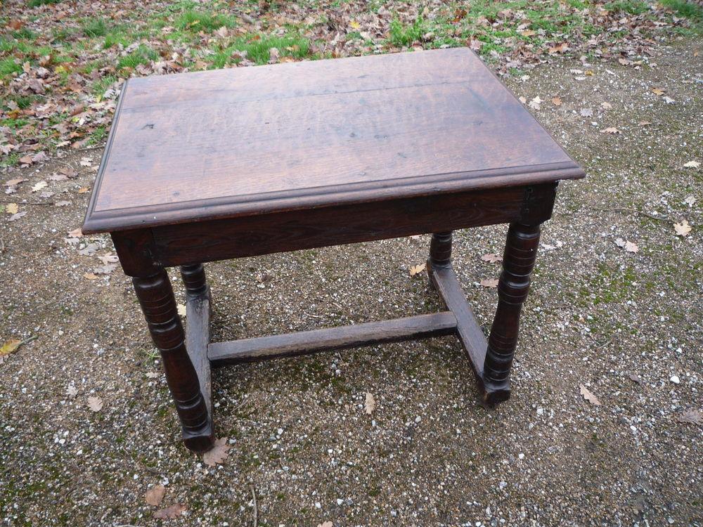 Petite table Louis XIII 165 Castres (81)