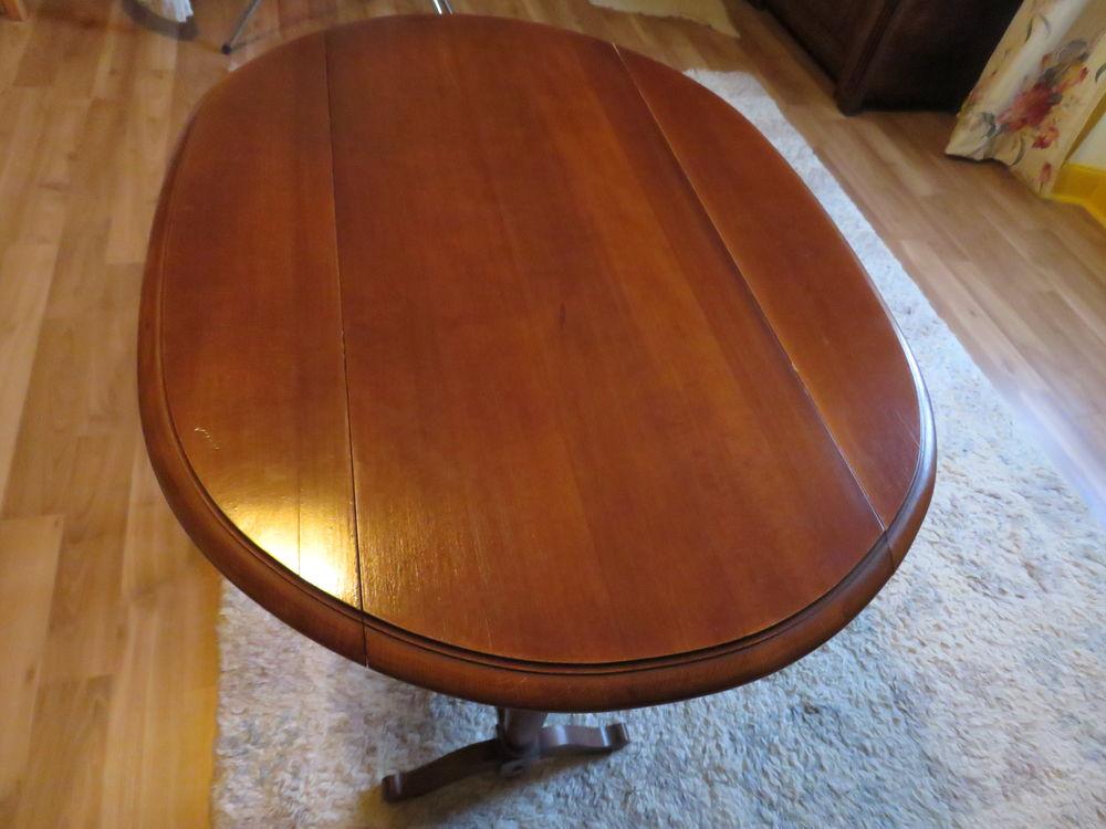 Petite table ovale merisier avec deux rabats 0 Sainte-Gemme (79)