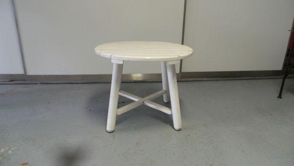 Petite table ronde jardin occasion des id es int ressantes pour la conception de for Petite table de jardin pvc