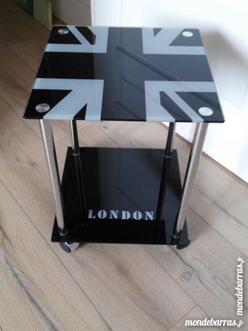Petite table en verre   Londres    25 Seclin (59)