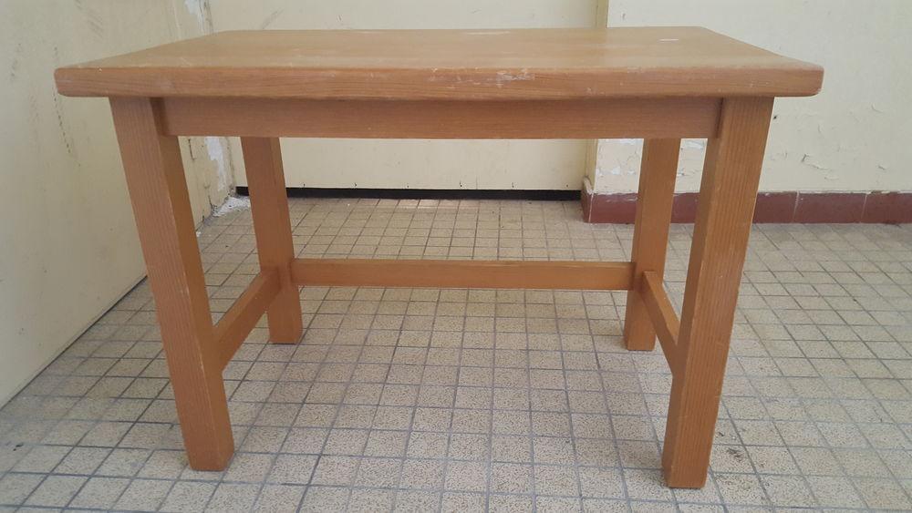 petite table en pin  5 Nantes (44)
