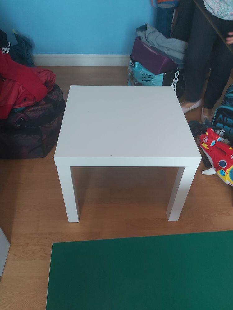petite table  80 Mérignac (33)