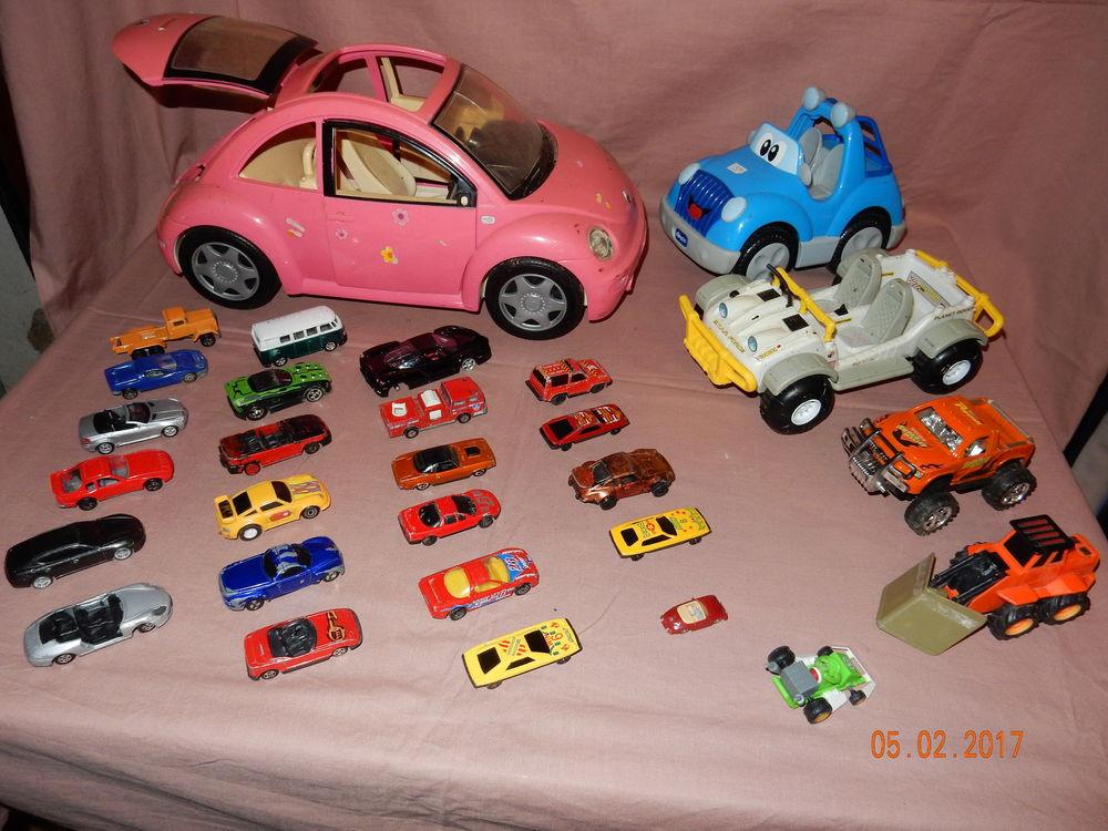 voitures barbie occasion annonces achat et vente de voitures barbie paruvendu mondebarras page 4. Black Bedroom Furniture Sets. Home Design Ideas