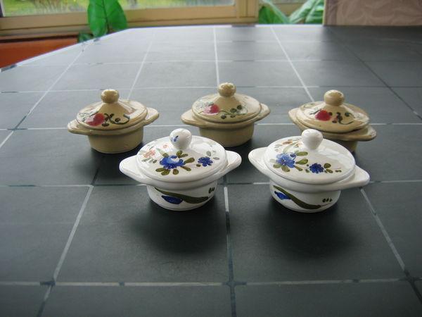 5 petites cocottes à garnir  15 Le Vernois (39)