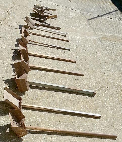 13 petites pelles métal manche bois ou métal  0 Saint-Clair-sur-Galaure (38)