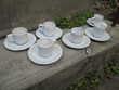 Lot de 6 petites tasses à café blanches avec soucoupes