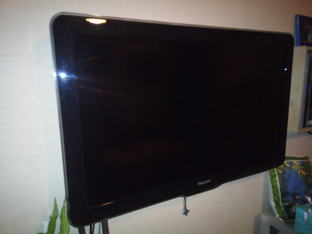 TV PHILIPS 37PFL5604H/12 250 Égletons (19)