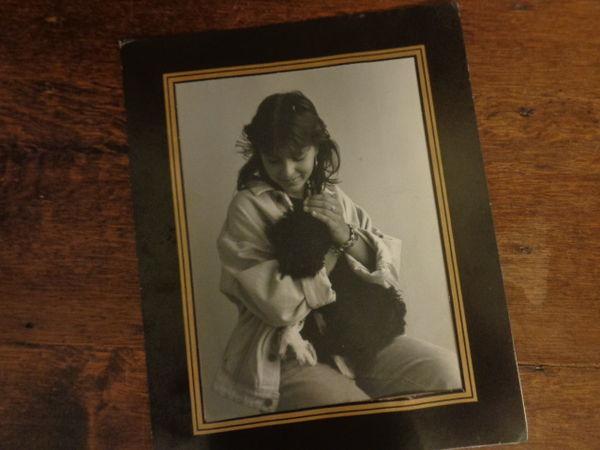 photo, jeune fille et son chien,avec cadre cartonné 3 Ondres (40)