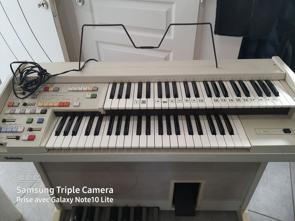piano double clavier +pedales 70 Mionnay (01)