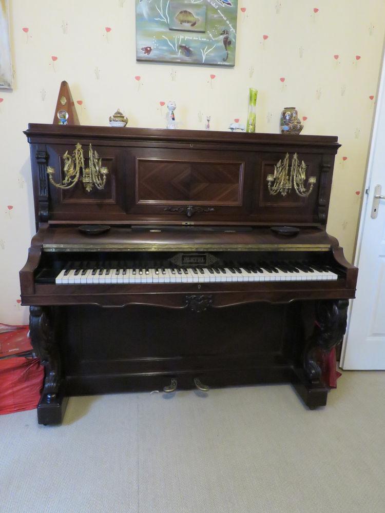 Piano droit ancien PLEYEL , palissandre doré 700 Saint-Jean-d'Illac (33)