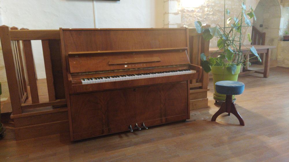 Piano droit avec son tabouret 800 Chablis (89)