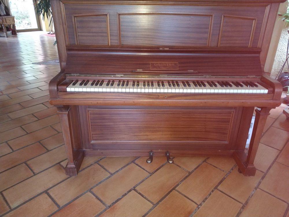 Piano droit CHALLEN & SON LONDON  265 Vinon-sur-Verdon (83)