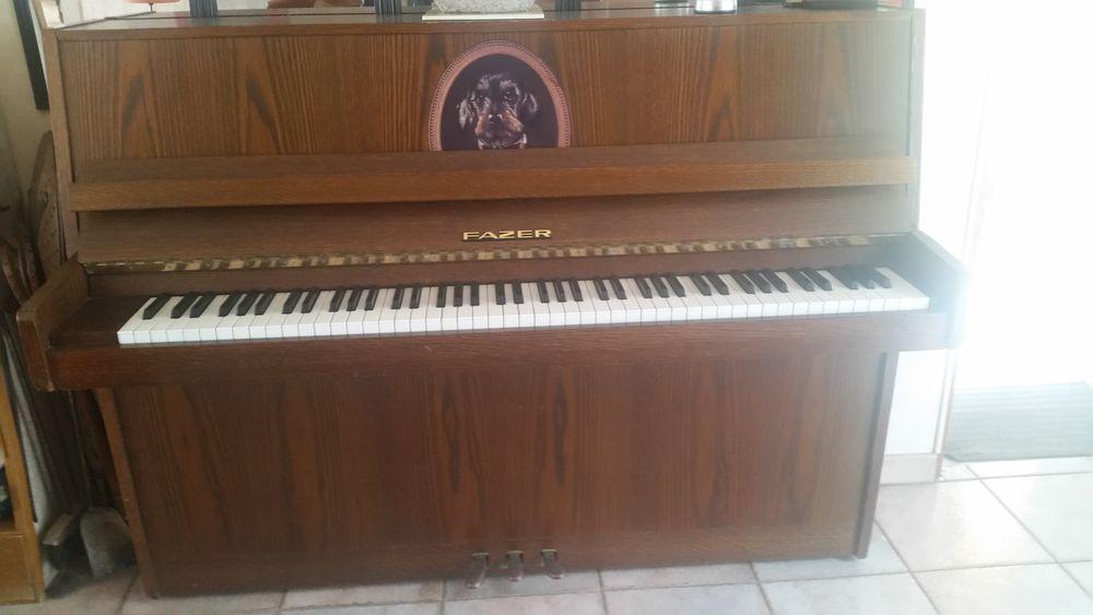 Piano droit cordes croisées de marque Fazer  0 Château-Thierry (02)