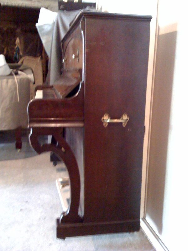 d'un piano droit Gaveau 600 Paris 3 (75)