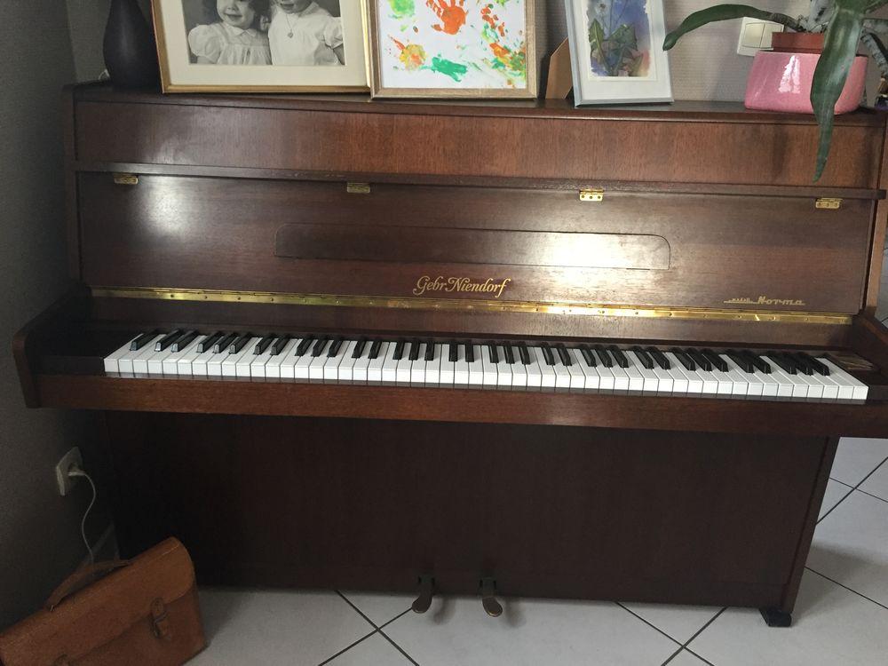 Piano Droit Gebr Niendorf 600 Baronville (57)
