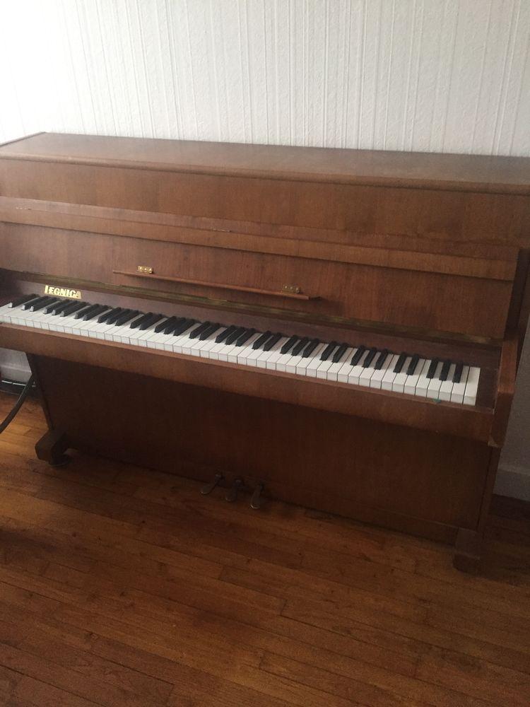 piano droit marque Legnica  0 Paris 13 (75)