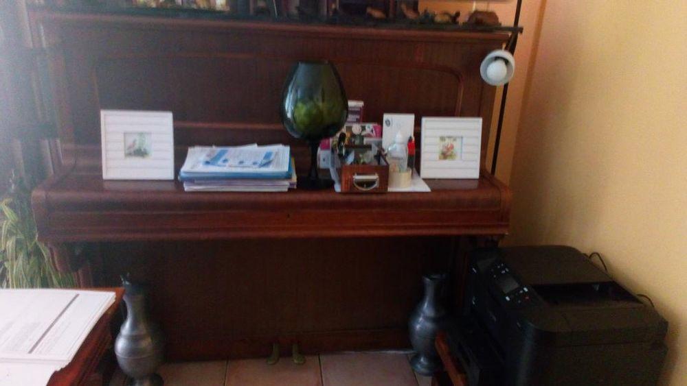 Piano droit placage à revoir. 0 Neuilly-en-Thelle (60)