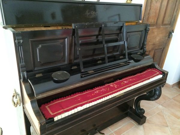 Piano droit Pleyel Instruments de musique