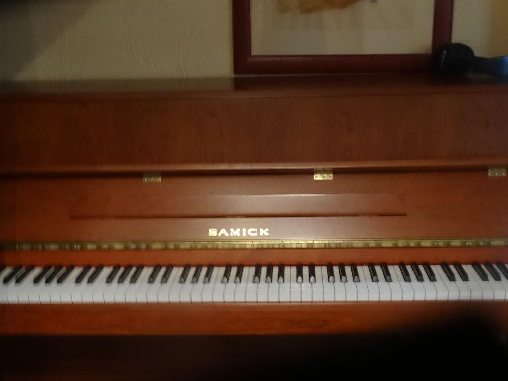 PIANO DROIT  SAMICK  3000 Saint-Laurent-du-Var (06)