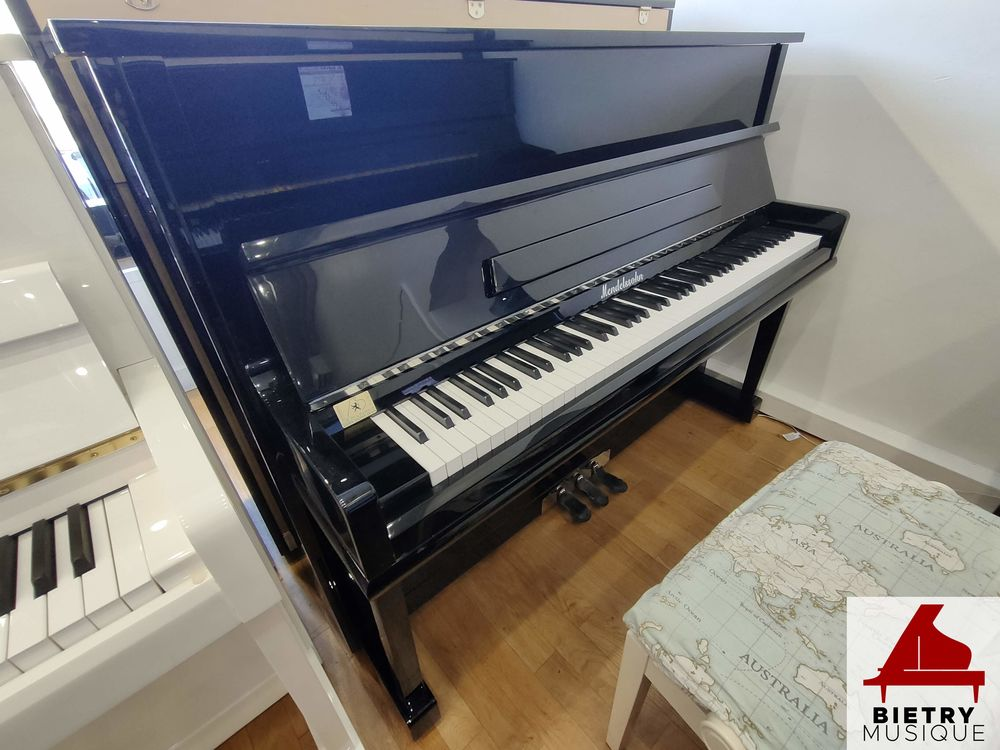 Piano droit Schimmel 110 noir laqué Occasion Instruments de musique