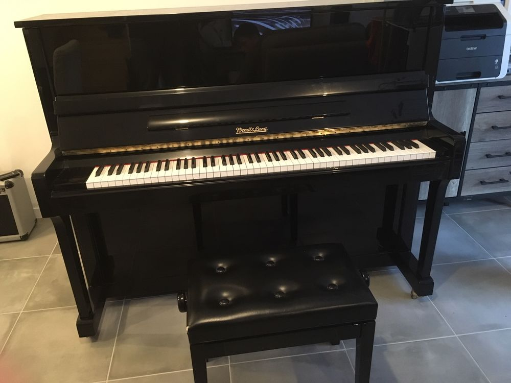 Piano droit Wendl & Lung 122 4500 Theix (56)