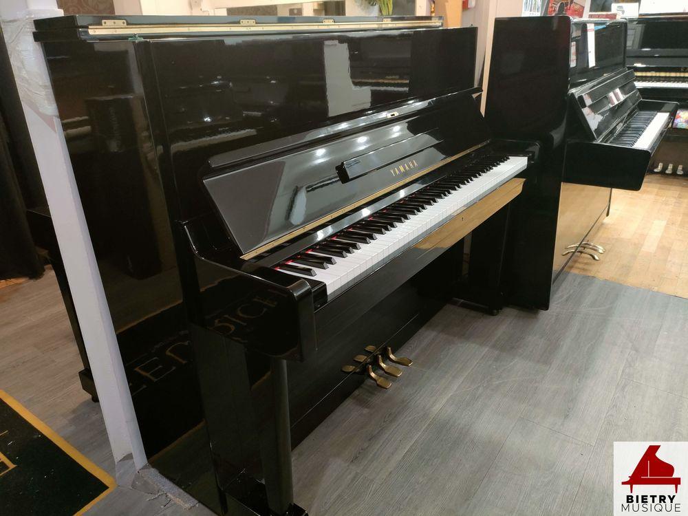 Piano droit Yamaha C113 Tpe noir laqué 3200 Lyon 5 (69)