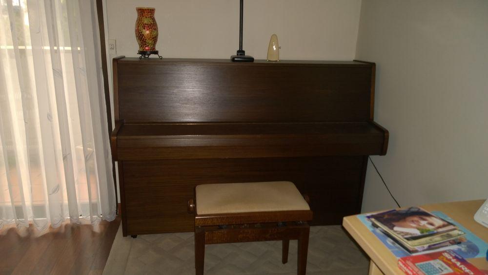 PIANO DROIT 500 Rocheville (06)