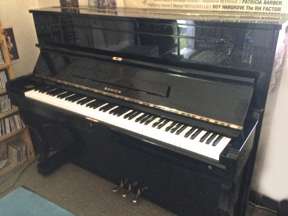 piano droit 1500 Marseille 9 (13)