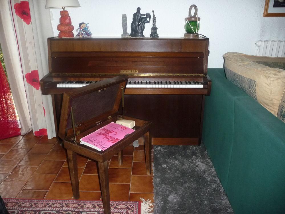 piano droit 339 Sury-le-Comtal (42)