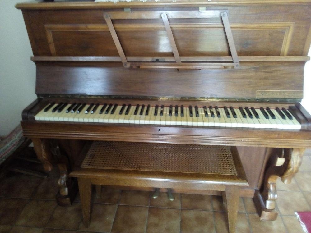 PIANO DROIT 250 Le Port-Marly (78)