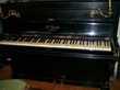 piano d'étude droit verni noir de marque K. Bord Villeneuvette (34)