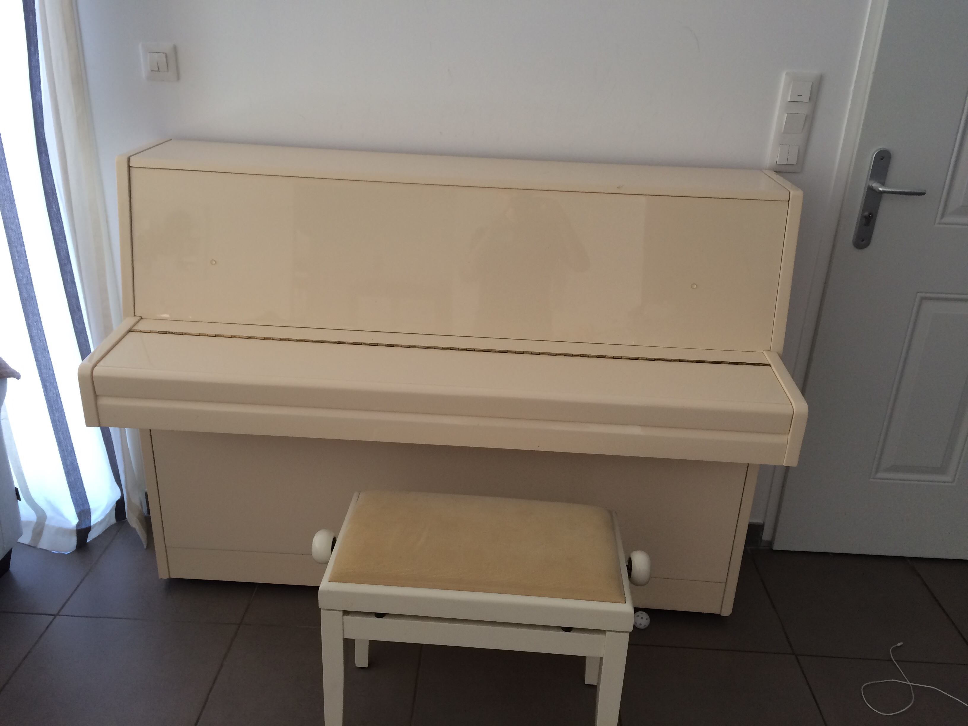 Piano d'étude Samick 800 Pouillon (40)