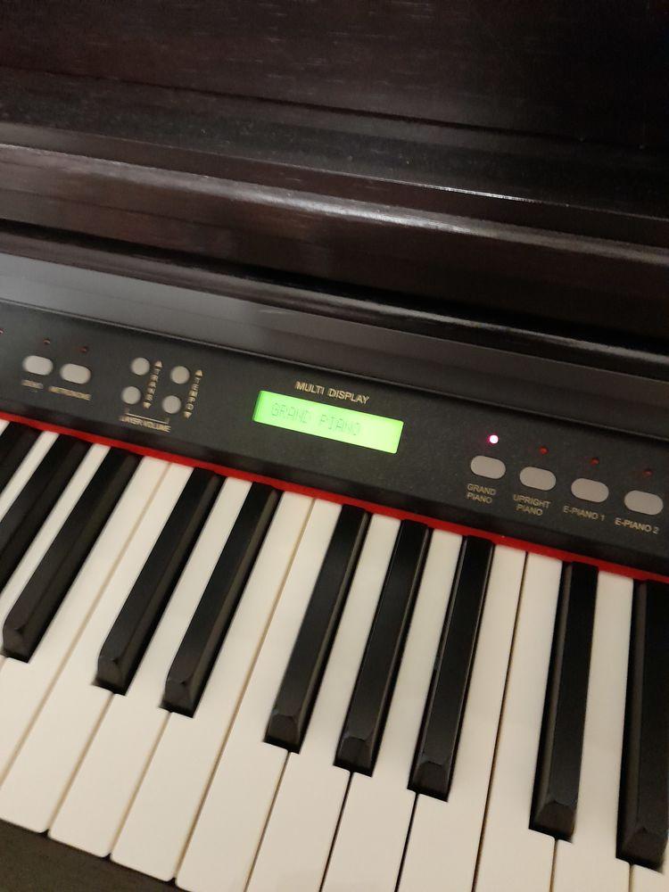 piano numérique DELSON allegro 88 touches avec son 300 Brignoles (83)