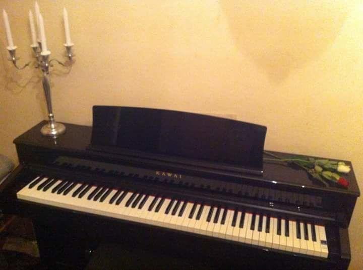 Piano numérique droit noir Kawai CS4, tabouret, chevalet ++ 1350 Boulogne-Billancourt (92)