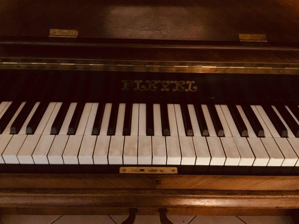 D'un Piano Pleyel 1290 Vaugneray (69)