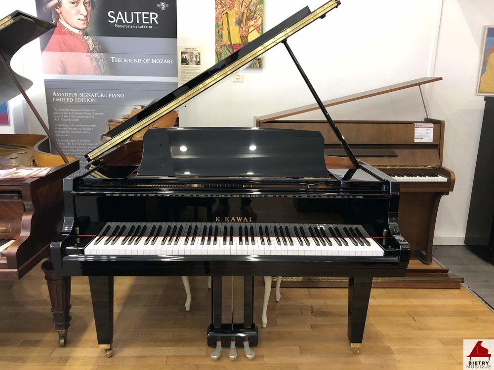 Piano U0026agrave; Queue KAWAI GL10 Instruments ...
