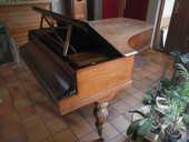 PIANO 1/2 QUEUE PLEYEL (époque WOLFF & Cie)  1200 Cestas (33)