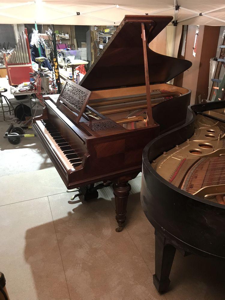 piano à queue  3600 Hendaye (64)