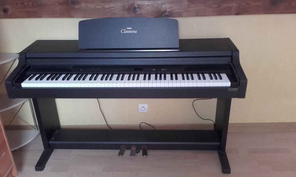 Pianos occasion en moselle 57 annonces achat et vente for Yamaha clavinova cvp 303