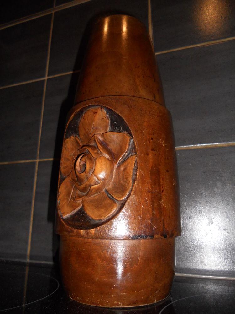 pièce de bois sculptée 0 Villeurbanne (69)