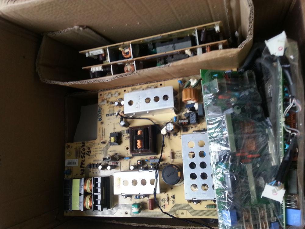 pieces détachés de télé ( tv ) LCD  ( NON LED ) 20 Castres (81)