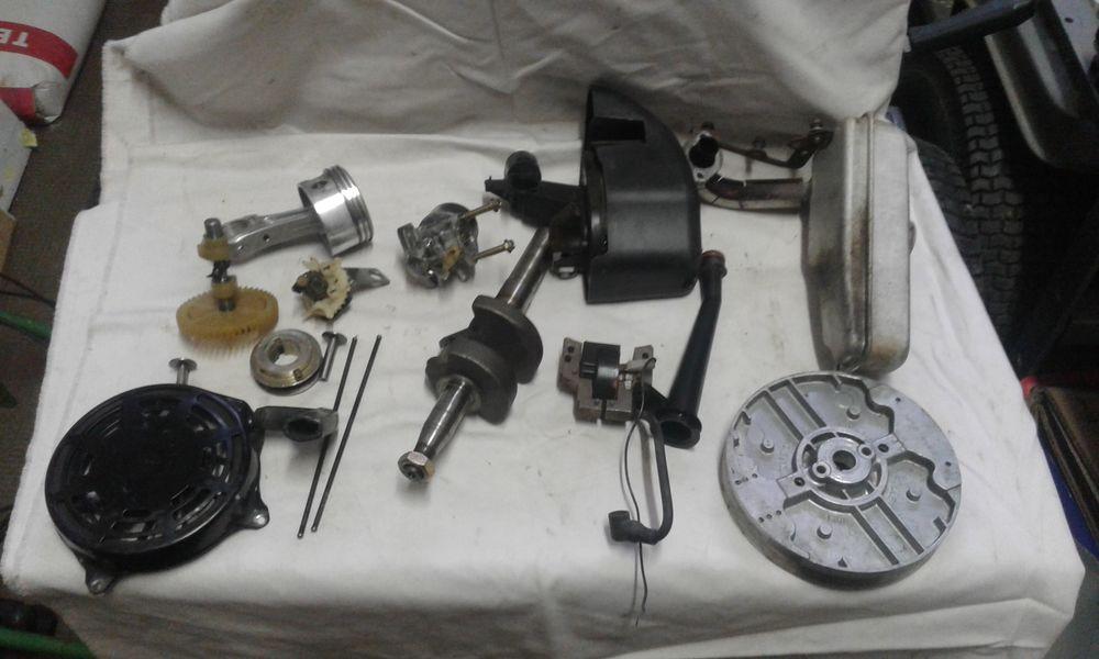 Pièces moteur briggscet stratton pour tondeuse 0 Moosch (68)