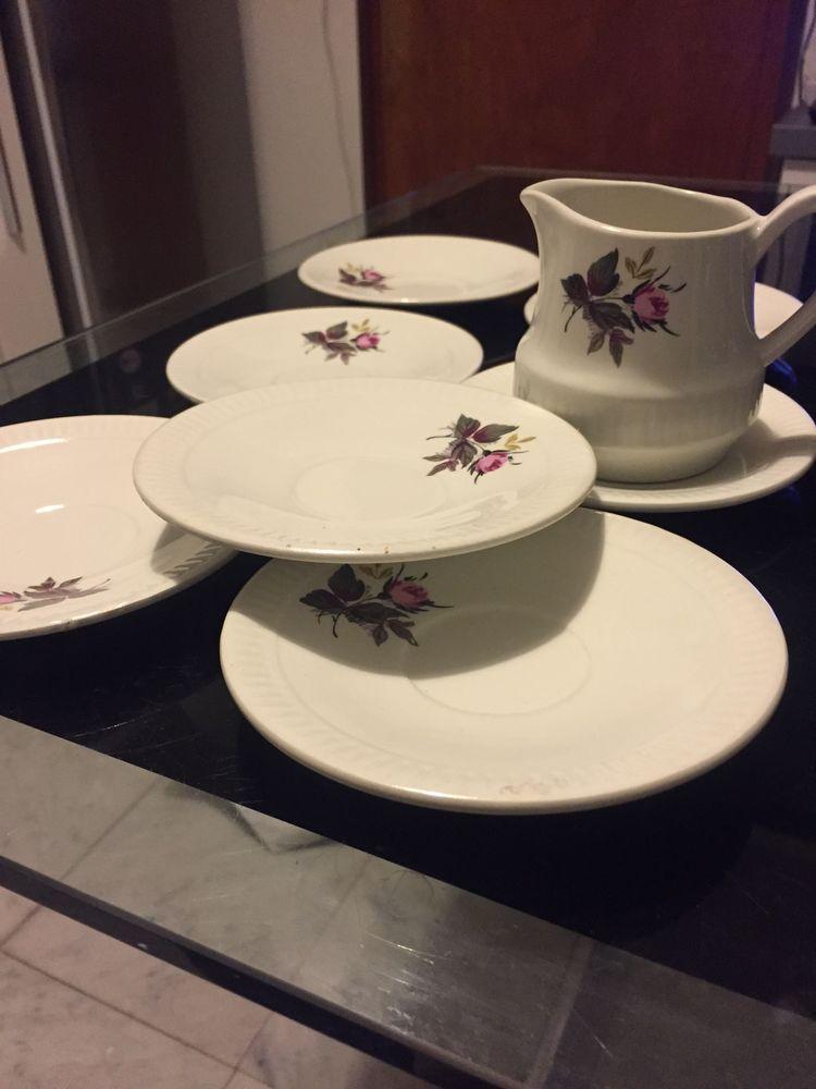 Pieces d?un service de vaisselle ancien 2 Soissons (02)