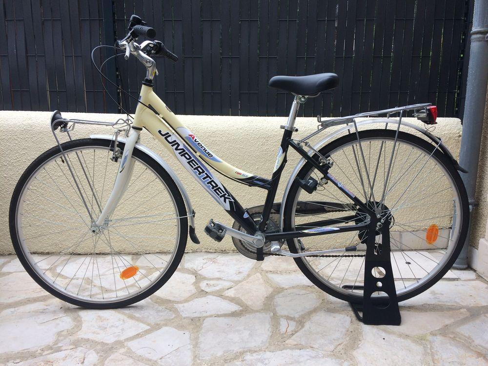 Pied de rangement pour vélo 12 Jurançon (64)