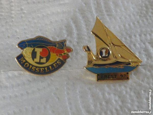 LOT DE 2 PINS LECLERC 3 Attainville (95)