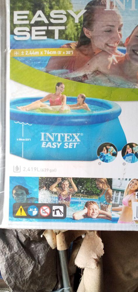 piscine enfant de marque intex 20 Villeneuve-Tolosane (31)