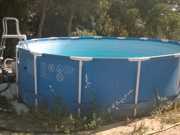 piscines hors sol occasion annonces achat et vente de. Black Bedroom Furniture Sets. Home Design Ideas