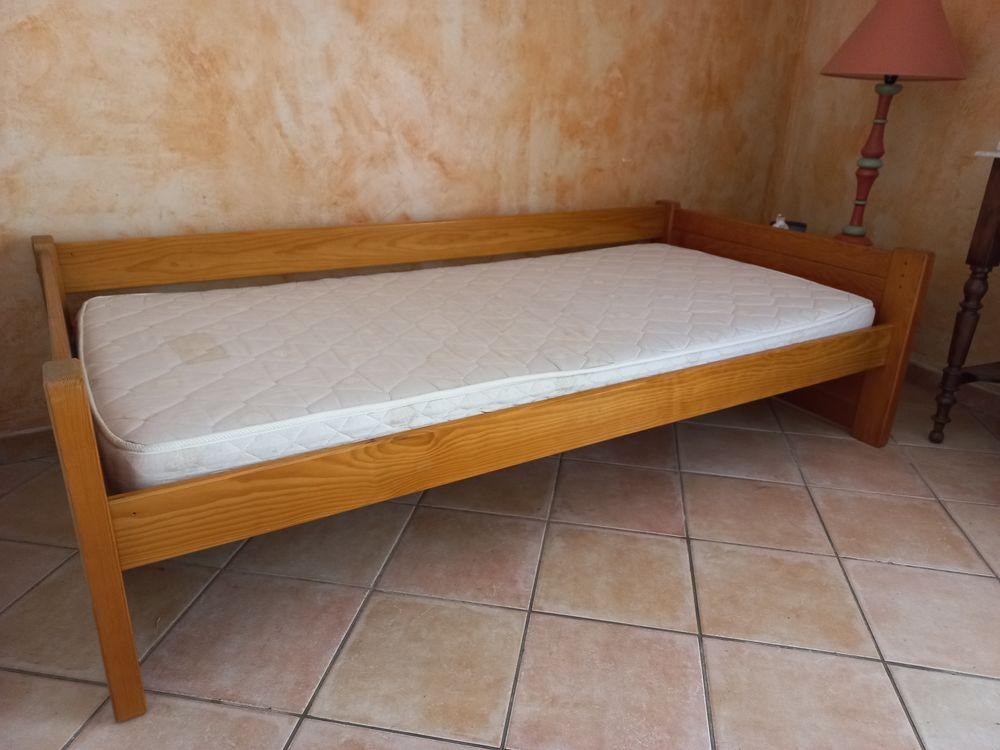 lit 1 place lattes pin massif couleur miel 50 Aix-en-Provence (13)